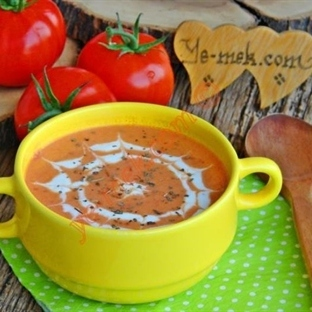 Labneli Domates Çorbası