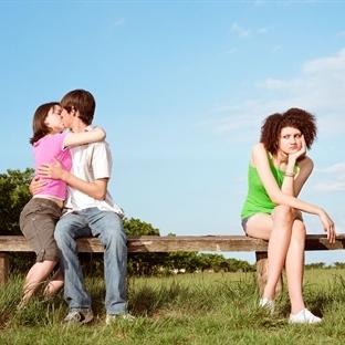 Neden Sevdiklerimizi Delice Kıskanırız