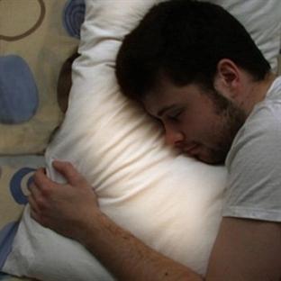 Pillow Talk – Uzakları Yakın Eden Yastık