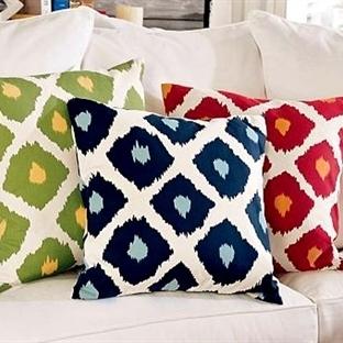 Renkli Yastıklarla Oturma Odanızı Renklendirin