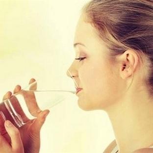 Sıcak su içmenin 12 faydası