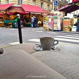 Tatlı Paris ve Montmartre'da Bir Kahve Molası