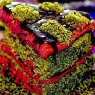 Üzümlü piramit pasta