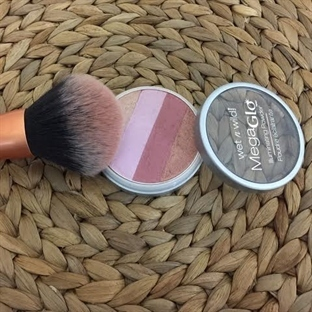 Wet'n Wild Mega Glo Aydınlatıcı Pudra-Catwalk Pink