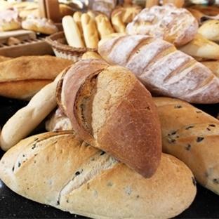 Zayıflamak istiyorsanız yemeğin yanında ekmek yiyi