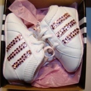 Adidas Kız Bebekler İçin Spor Ayakkabı Modelleri