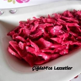 Bulaşık Makinesinde Lokanta Usulü Kırmızı Lahana