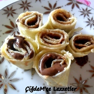 Çikolatalı Krep Rulo
