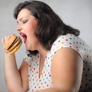 Ev kadınının kalp krizi geçirme riski var!