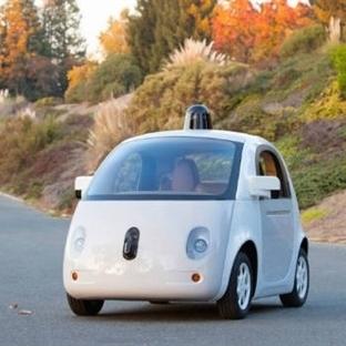 Google'ın Sürücüsüz Aracı Geliyor!