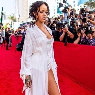 Ikon Rihanna'nın stilindeki vazgeçilmezi