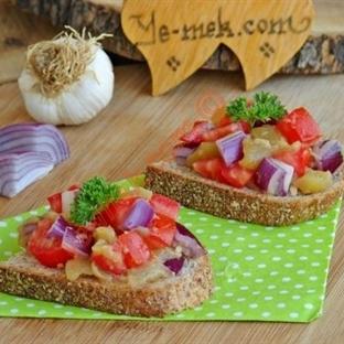 Köz Patlıcanlı Ekmek Dilimleri