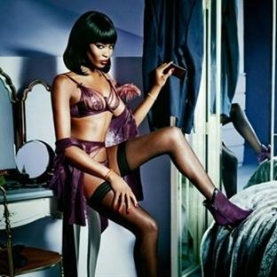Naomi Campbell'den Cesur Pozlar