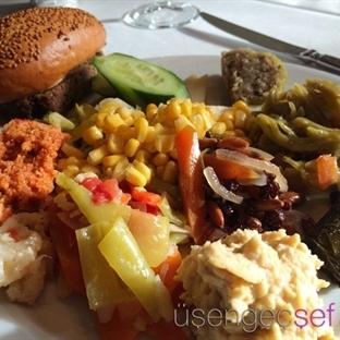 Plaza Çalışanlarına 5 Yıldızlı Öğle Yemeği
