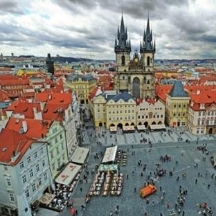 Prag Karl Meydanı