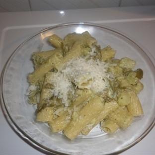 Tortiglioni con Pesto, Patate e Fagiolini Tarifi
