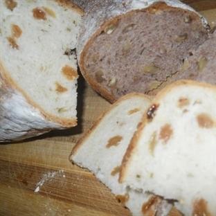 Üzümlü veya cevizli ekmek