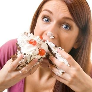 Yemeğe Çok Varken Açlığını Yatıştırmak