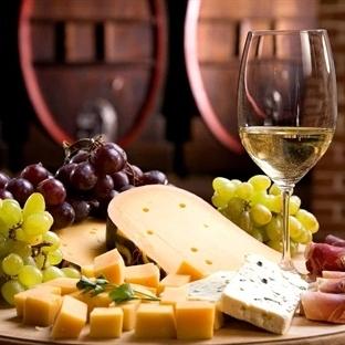 Yılbaşı Masası için Şarap Tabağı Hazırlama