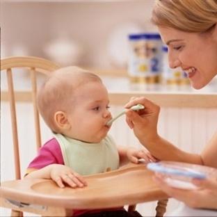 Bebekler Katı Gıdaya Nasıl Alıştırılır?
