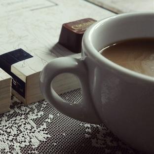 Bir Çikolata Ve Bir Kitap!