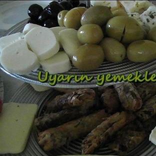 Bordövür tabağı ve kıymalı börek