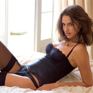 Çıplakken nasıl daha seksi görünürsünüz?