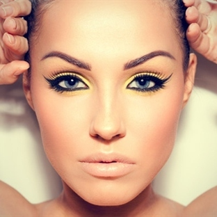 Eyeliner En Güzel Nasıl Uygulanır?
