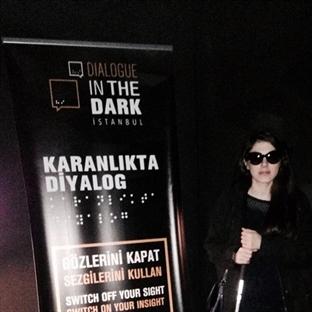 Gerçekten anlayabilmek için 'Karanlıkta Diyalog'..
