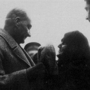 Hacer Nine'nin Atatürk Sevgisi