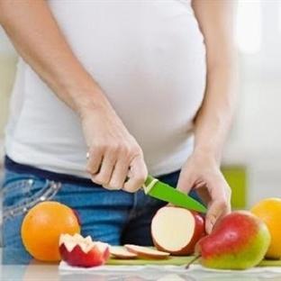 Hamilelikte Annenin Beslenmesi Bebeği Etkiler Mi?