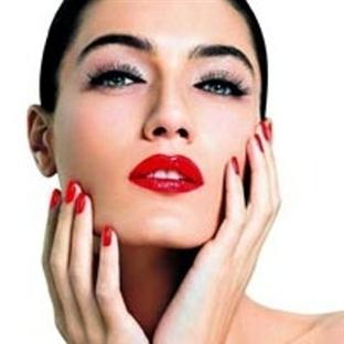 Kadının cazibe sırrı:kırmızı ruj