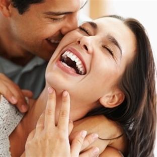 Kadınlar Erkeklerden Daha  Mutlu Yaşıyor