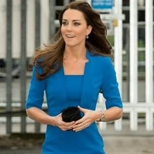 Kate Middleton: LK Bennett Detroit Notch Elbise