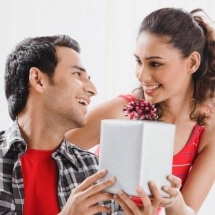 Kız Arkadaşa Sevgililer Günü Hediyeleri