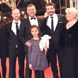 Kutluğ Ataman, Berlin'den Ödülle Döndü