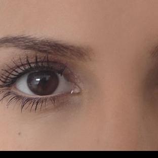 Makyaj yaparken gözleriniz daha iri görünsün istiy