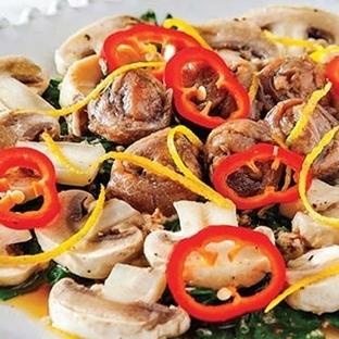 Marine mantarlı pazı salatası