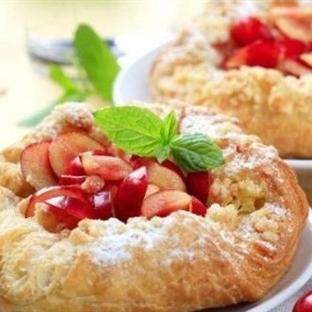 Milföy Hamuruyla Pratik Meyveli Pasta