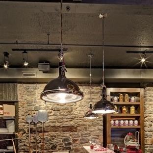 Montreal'de BEVO Bar and Pizzeria Aydınlatma