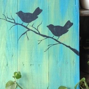 Paletten Siyah Kuşlar Pano Yapımı