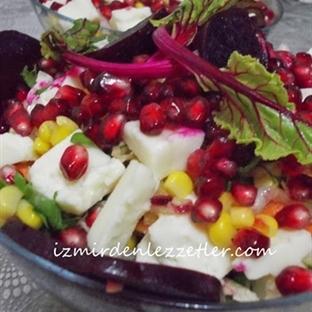 Pancar Turşulu Narlı Mevsim Salatası