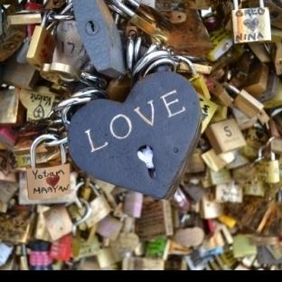 Paris'te Sevgililer Günü O LA LA!!!