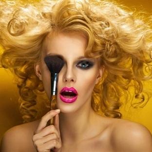Saç Rengine Göre Makyaj Nasıl Yapılır?