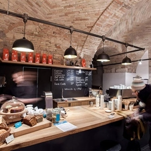 Spora Architects'ten Budapeşte'de Embassy Espresso