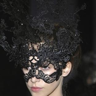 Stil Önerisi - Philip Treacy Şapkalar