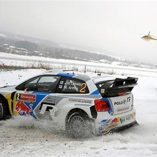 İsveç Rallisi'nde Zafer Jari-Matti Latvala'nın !!