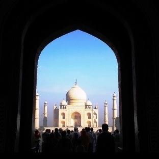 Tac Mahal; Zamanın Yanağında bir Damla Gözyaşı; 1