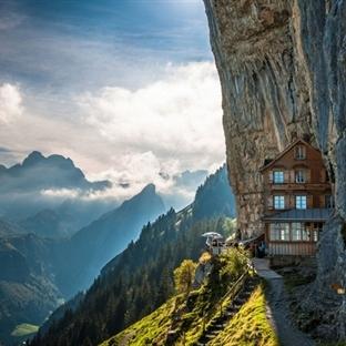 Uçurumun Ucunda Äscher Cliff Restaurant İsviçre