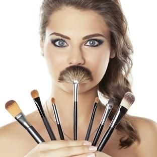 Uygun Fiyatlı İşlevsel Makyaj Fırçası Hangisi ?
